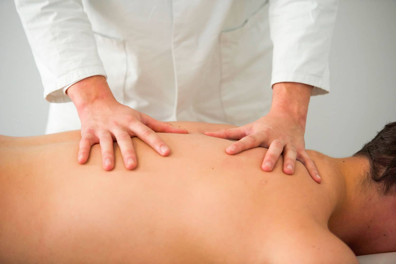 Massage body body bordeaux