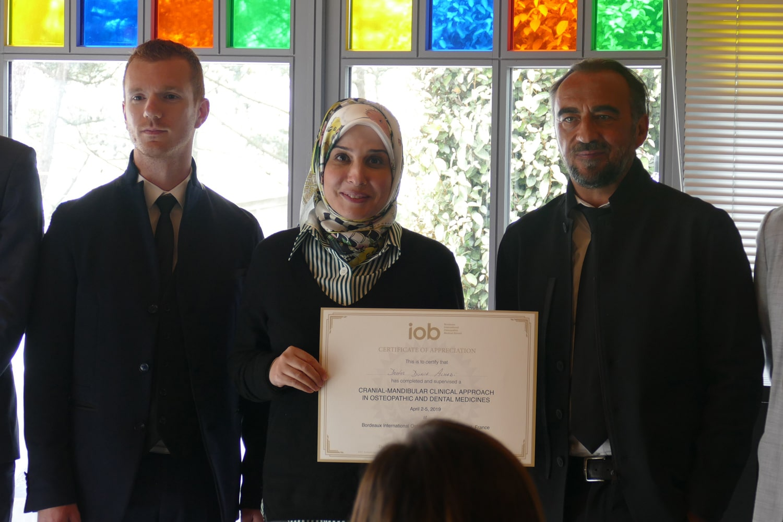 IOB-remise-Diplôme-superviseuse-Ajman